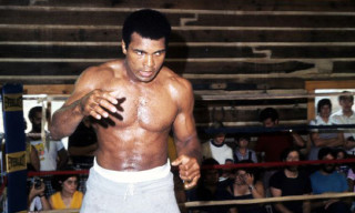 Muhammad Ali Signs Deal with Under Armour
