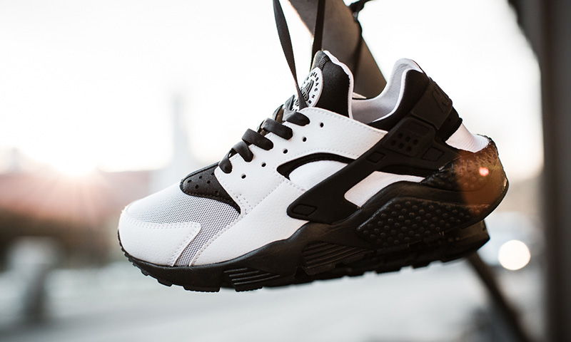 nike huarache white and black