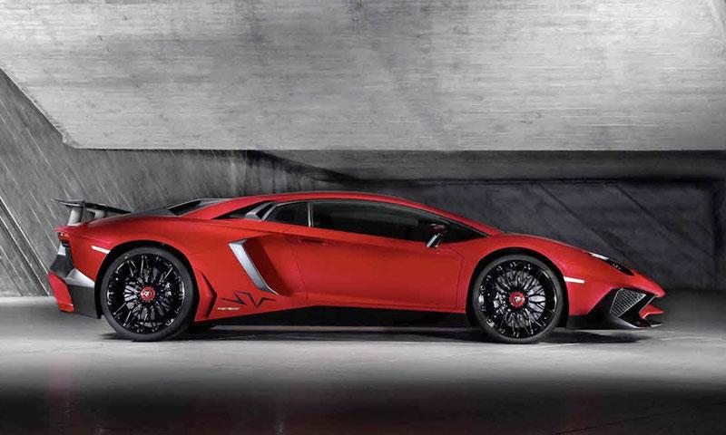 Lamborghini Aventador LP 750   Aussicht hinten mit Spoiler