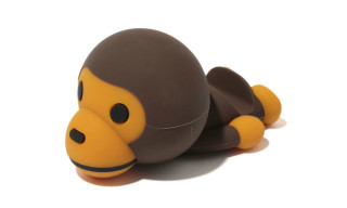 "BAPE x Candies ""Baby Milo"" Smartphone Stand"