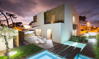 Silverwood House by Ernesto Pereira