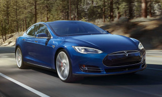 Tesla Unveils $75,000 AWD Model S 70D