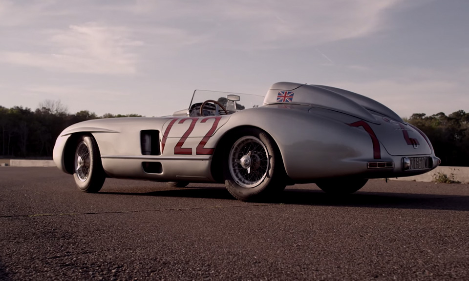 Watch sir stirling moss reunite with the mercedes benz 300 for Mercedes benz 300 slr