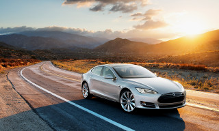 Tesla Plans to Unveil $35,000 Model 3 in March 2016