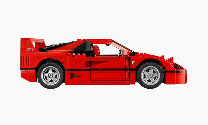 How To Build Your Own LEGO Ferrari F40 With Removable V8