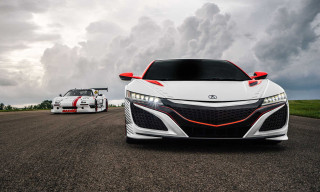 Acura's New NSX Roars up the Pikes Peak Hill Climb