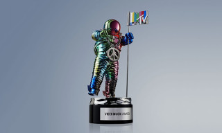 Jeremy Scott Redesigns MTV Video Music Awards Moonman