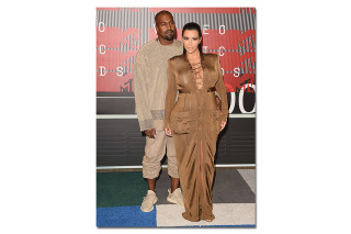 Kanye West Spotted on the VMA Red Carpet in adidas Yeezy Boost 350 \u201cBeige\u201d