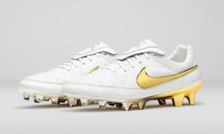 "Nike Reissues the Tiempo Legend ""Touch of Gold"" Football Boot"