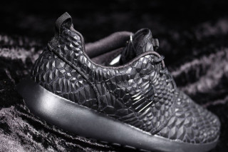 Nike Roshe Exécuté Triple Banque Dmb Noir fKnQz