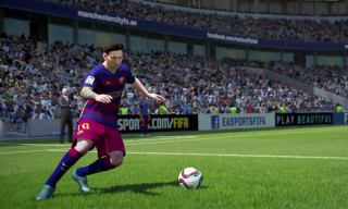 Messi and Aguero Go Head-to-Head in the Official TV Spot For 'FIFA 16'