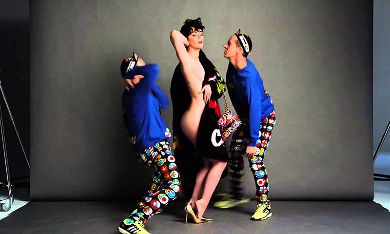 katy perry shows some skin for moschino s fall winter 2015