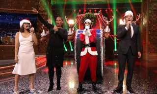 Jimmy Fallon & Rashida Jones Sing Holiday Parodies of Taylor Swift, Rihanna & Drake
