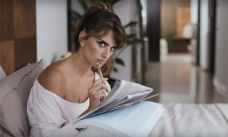 Penelope Cruz Tries out Siri in New Apple iPhone 6s Ad