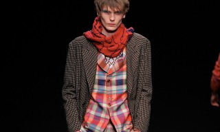 """Vivienne Westwood's """"Be Specific"""" FW16 Collection Is Politically-Charged"""