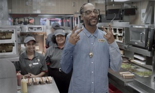 Snoop Dogg Shows Burger King Employees How to Make Hot Dogs