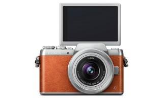 Panasonic's Lumix GF8 Helps You Take the Perfect Selfies