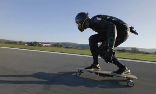 Mischo Erban Breaks the Fastest Speed Record on an Electric Skateboard