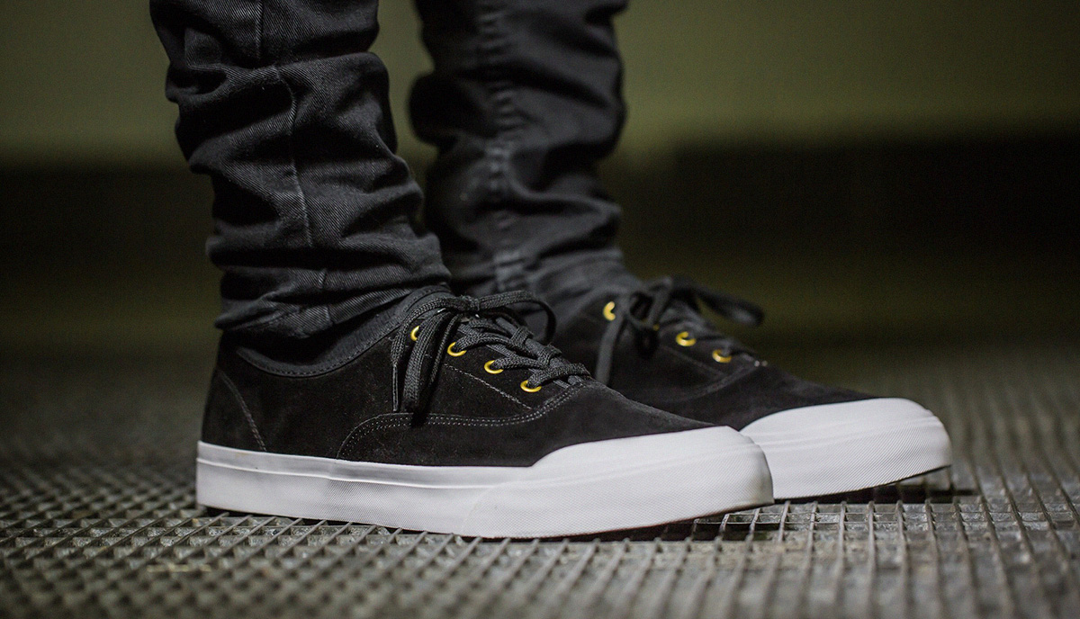 Skate shoes ankle support -