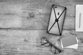"""The New """"Alt"""" iPhone 7 Case Pretty Much Does It All"""