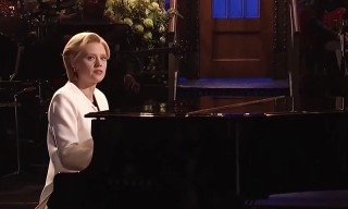 Kate McKinnon Delivers Tearjerker Tribute to Leonard Cohen as Hilary Clinton