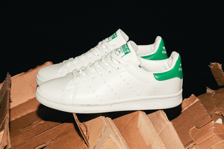 ef531659988e We Bought Eeerily Convincing Fake Sneakers at Dubai s Karama Market ...