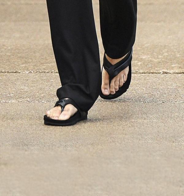 Guys: Flip-Flops Suck, Stop Wearing Them