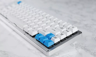 The WhiteFox Mechanical Keyboard Will Add a Touch of Luxury to Your Computer