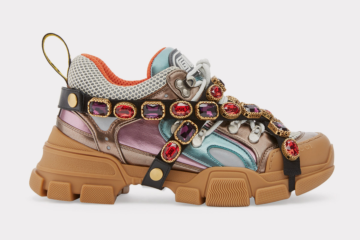 newest a40cf a7413 GUCCI : FW2018 Flashtrek sneaker with removable crystals ...