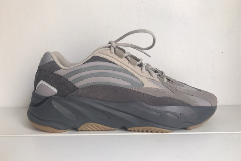 d505e7d735b Kanye West Debuts New YEEZY Boost 700 v2 Colorway