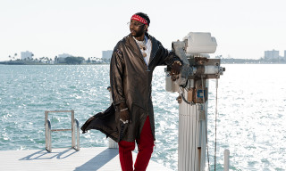 2 Chainz Hangs With Mermaids After Riding an Underwater Jetski