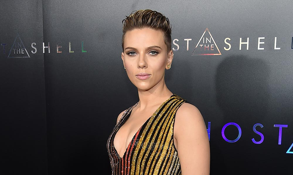 Scarlett Johansson Twitter: Twitter Reacts: Scarlett Johansson To Play Trans Man In