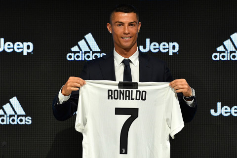 6734ba306 Cristiano Ronaldo Discusses Messi   More at Juventus Unveiling