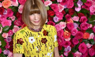 "Anna Wintour Isn't Leaving Vogue, She's Staying ""Indefinitely"""