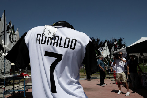 Cristiano Ronaldo s Juventus Shirts are Completely Sold Out 4b0821dc0
