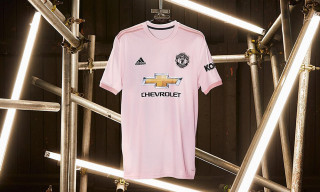 Manchester United Fans Are Split on the Team's New Pink Away Jersey