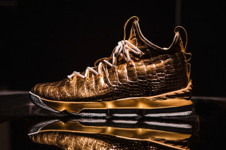 The Shoe Surgeon Gifts LeBron James  100K Nike LeBron 15 ae0671636492