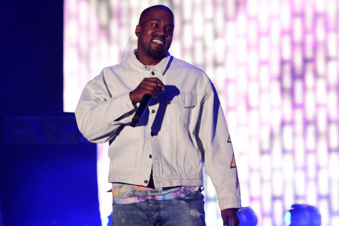 Kanye West apologises to Drake over long-running feud