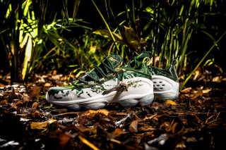 Here s How to Cop Extra Butter   Reebok s  The Predator -Inspired DMX Run 10 1ccb06f43