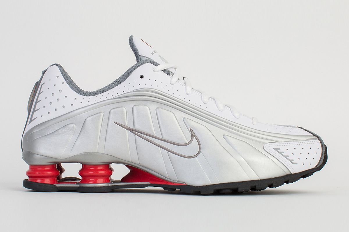 free shipping ccee4 864e6 The Retrofuturistic Nike Shox R4 Will Be Re-Released This Week