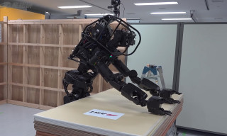 This Japanese Robot Contractor Can Install Walls by Itself