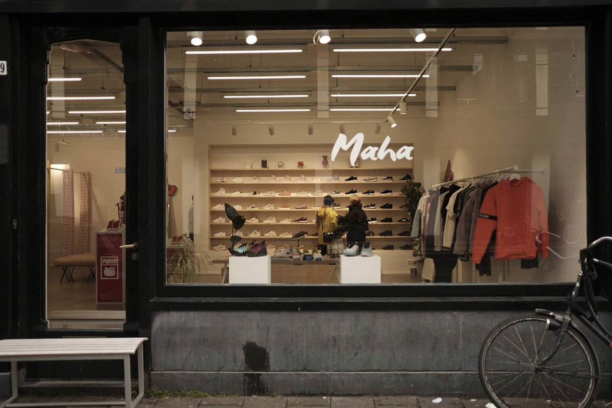 0d419d508d67f8 Like OnTheBlock, The Netherlands' Maha Amsterdam is a women-only streetwear  store. Relatively new to the scene having opened in 2015, the store was  born ...