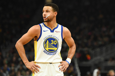 Curry agrees to lunar lab visit