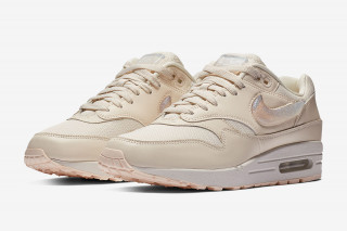 The Air Max 1 Is Getting an Oversized Jewel Swoosh 9e76ca41abd7