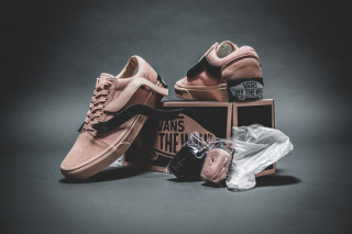 """8830198b1eb9 Here s How to Cop the Pink Purlicue x Vans Old Skool """"Year of the Pig"""""""
