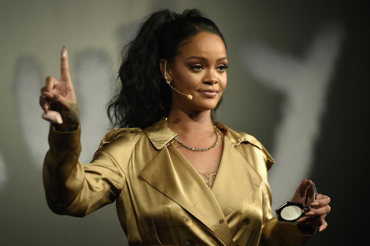 An Egg Dethroned Kylie Jenner & Rihanna Filed Big Lawsuits