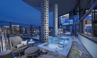 Damien Hirst's Las Vegas Suite Is Now the Most Expensive in the World