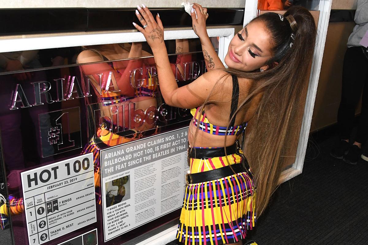 Ariana Grande Breaks Spotify Streaming Record with 2 Billion Listens
