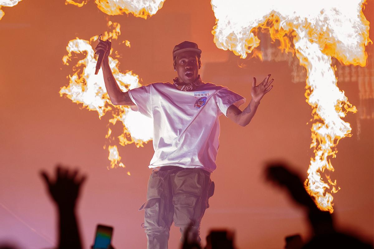 "Watch Travis Scott Bring Out 2 Chainz to Perform ""Whip"""