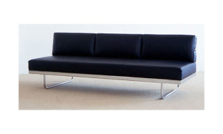 Le Corbusier LC5.F Sofa | Cassina Reissue